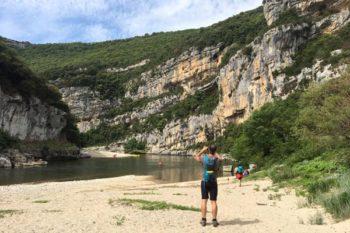 Randonnée dans les Gorges de l'Ardèche - Photo : Nicolas Grisolle